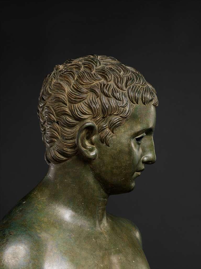 Bronze statue of an aristocratic boy