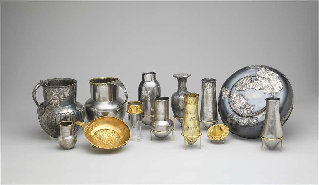Long-necked jar