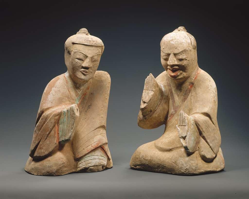 漢 彩繪陶六博俑 Pair of Seated Figures Playing Liubo
