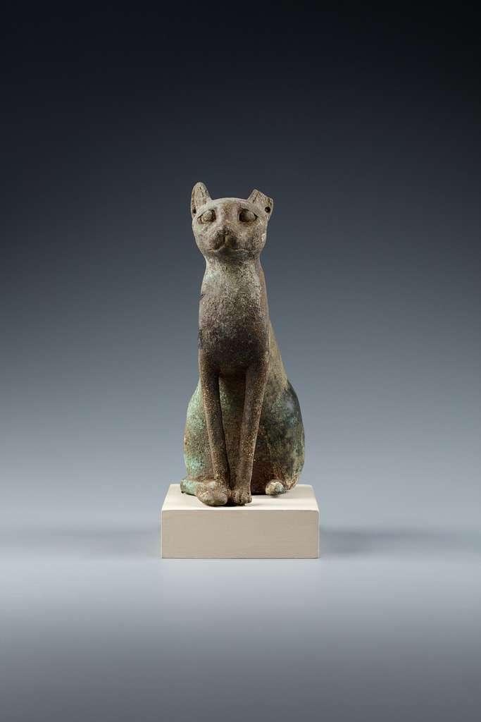 Statuette, cat