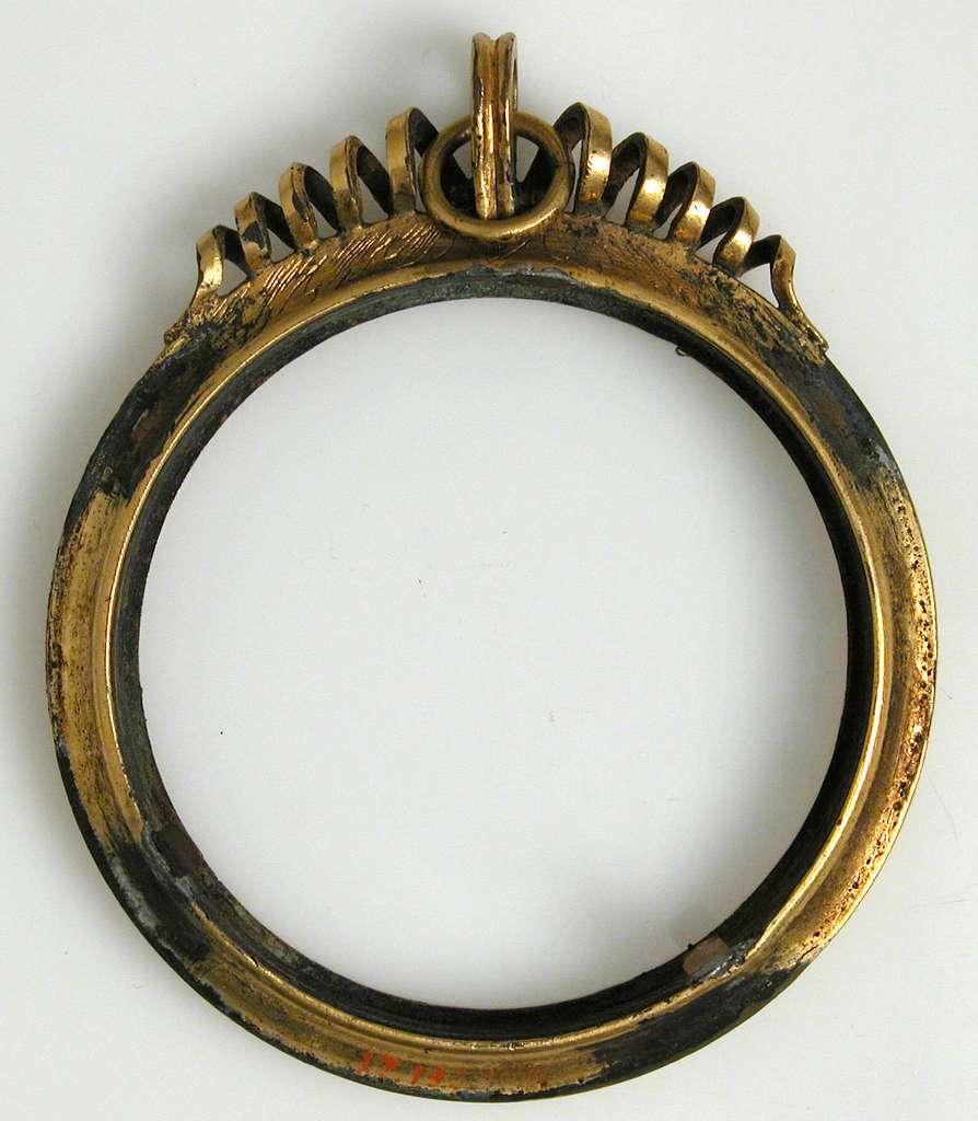 Frame, Medallion