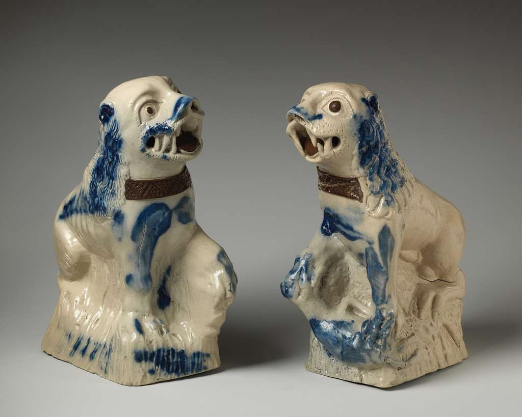 Pair of Chinese dogs of Foo
