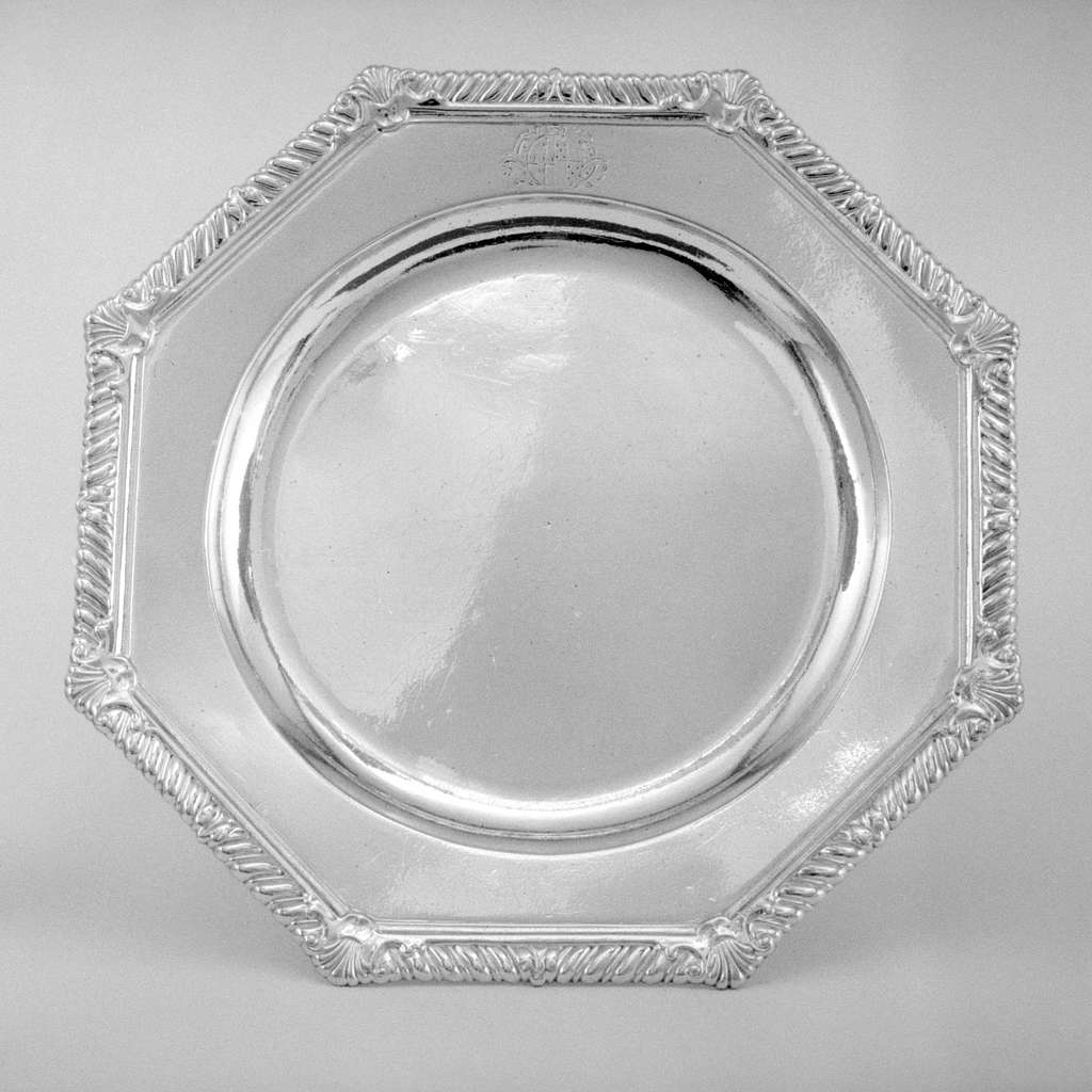 Set of four dishes