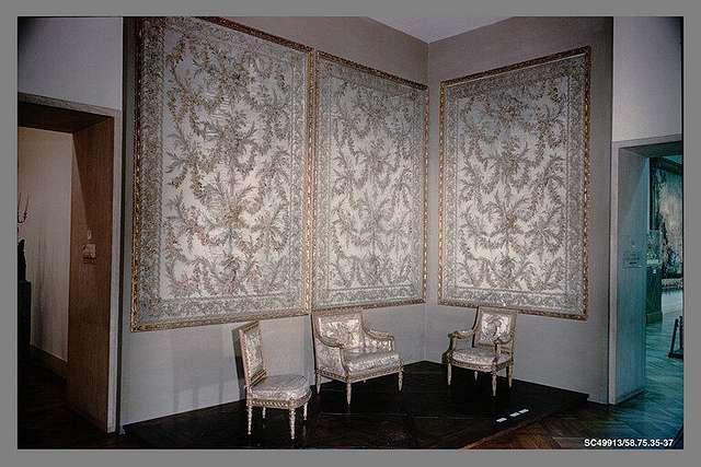 Wall hangings (3)