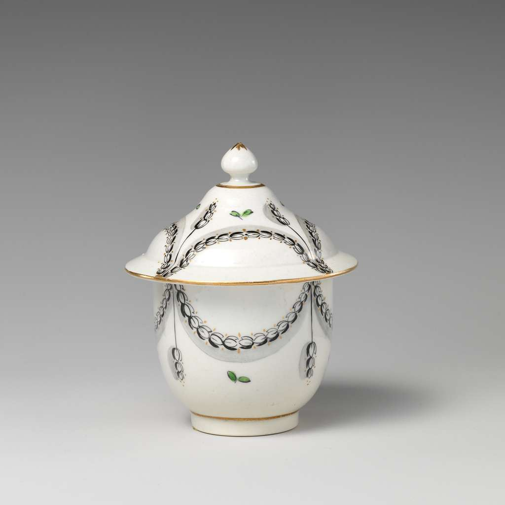 Sugar bowl with cover (part of a service)