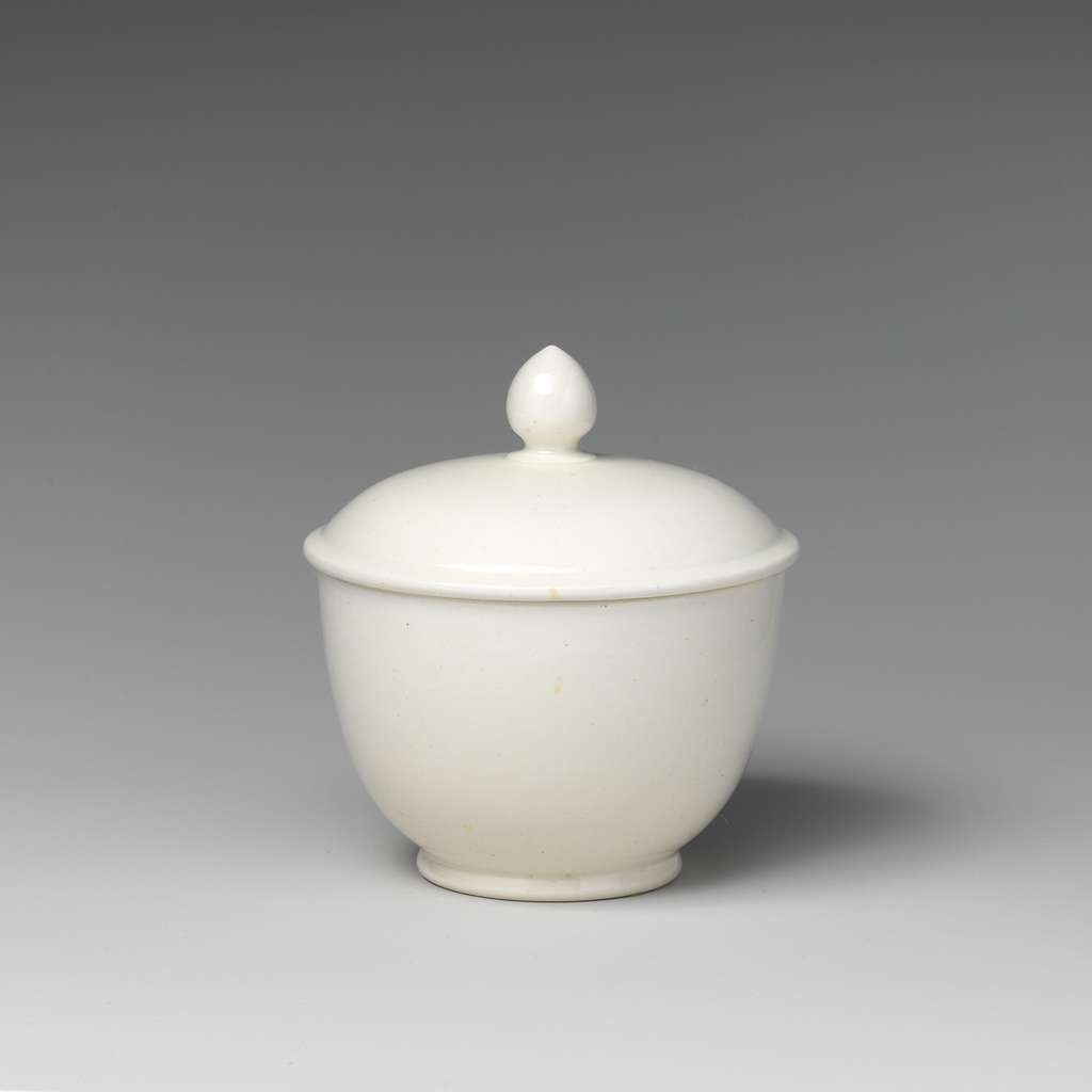 Miniature sugar bowl with cover (part of a set)