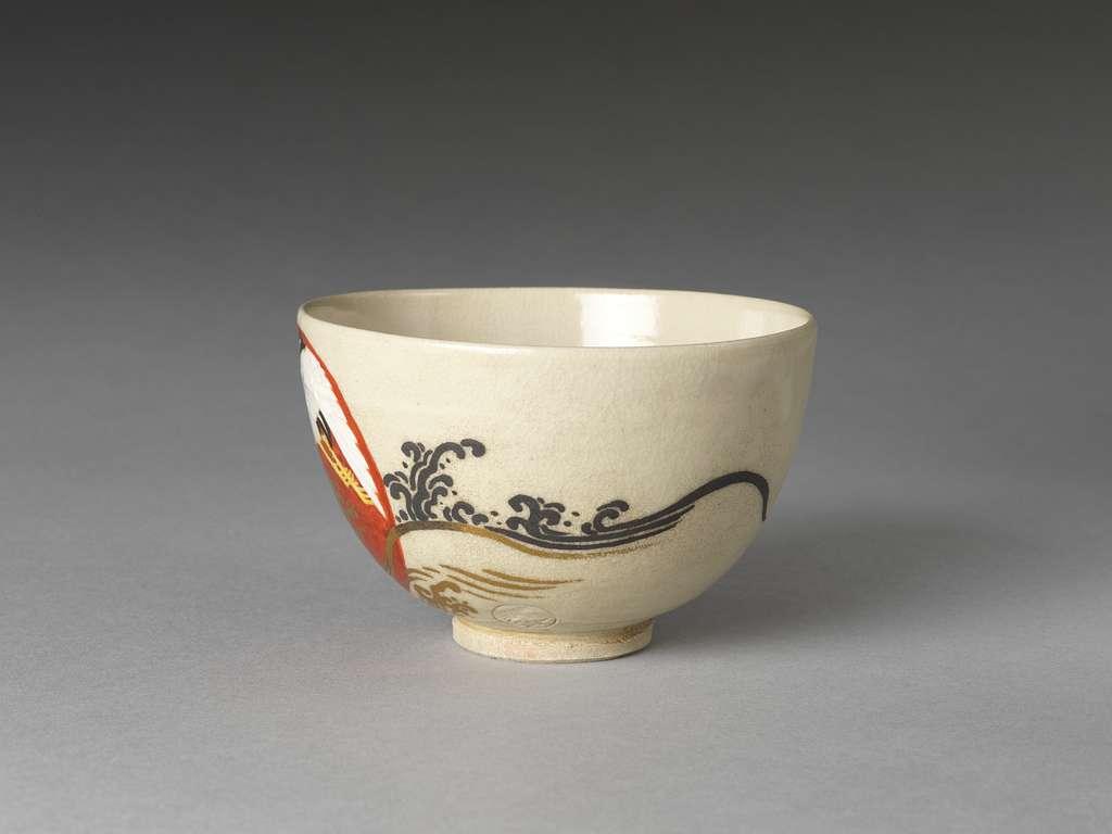 永樂保全作 色絵日之出鶴文茶碗|Teabowl with Rising Sun and Crane