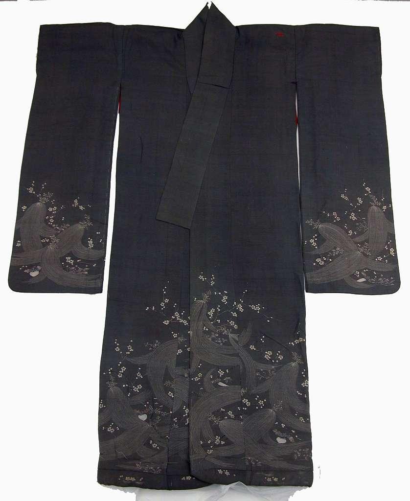 鼠縮緬地梅根芹春草模様振袖|Woman's Robe